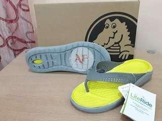 Crocs Lite ride flip