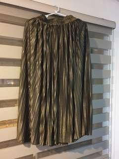 Pleated Olive Green Maxi Skirt