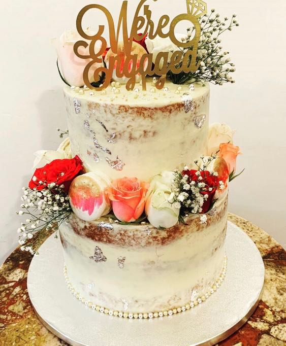 2 Tier Wedding Cake Food Drinks Baked Goods On Carousell