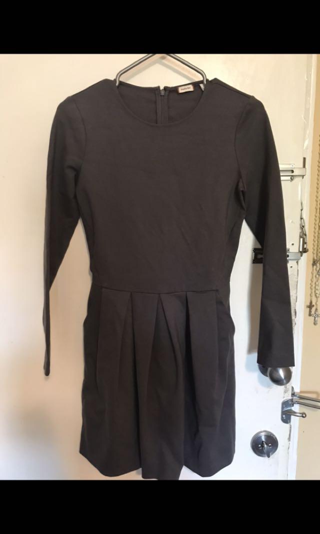 Aritzia Sunday dress