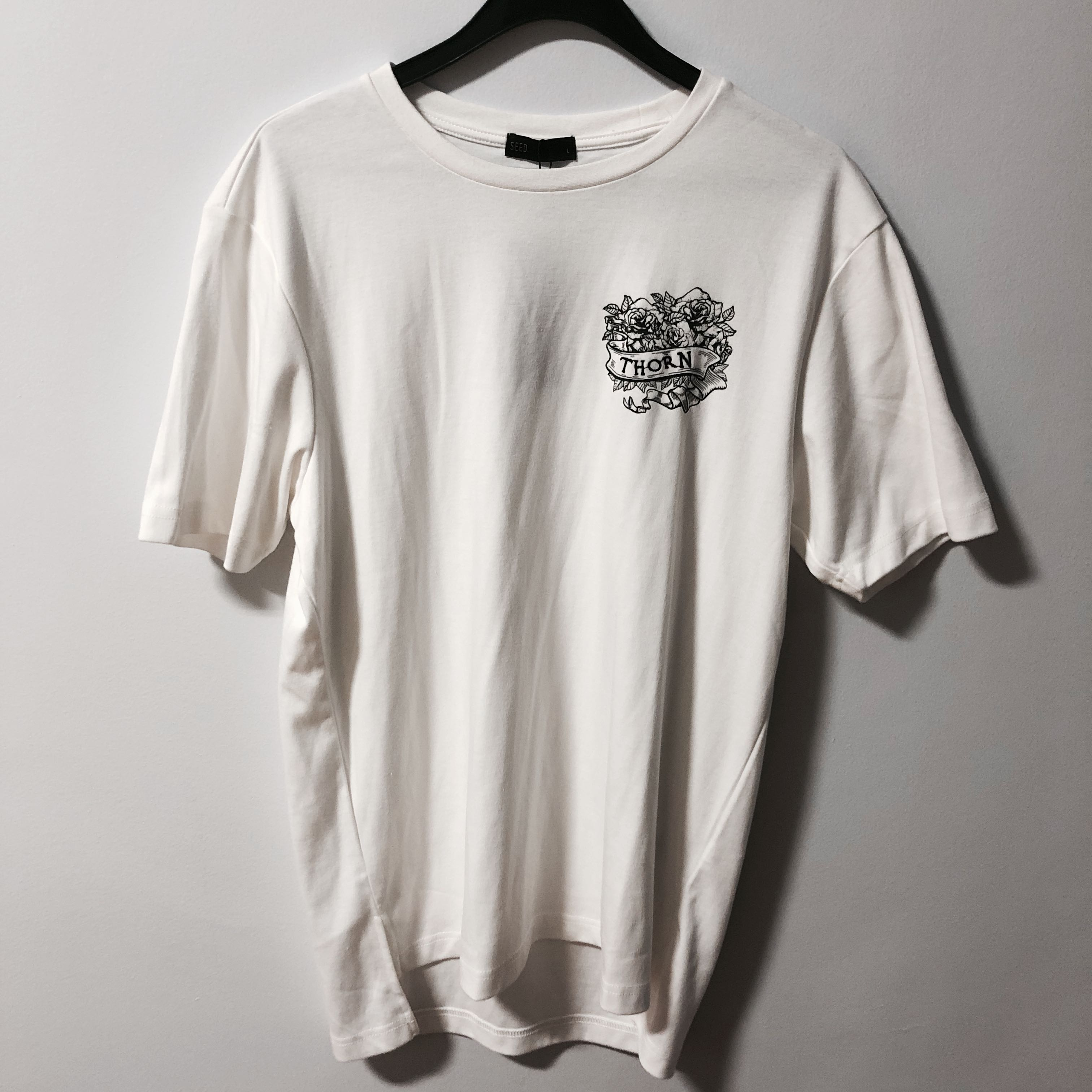 BNWT Seed Thorn T-shirt