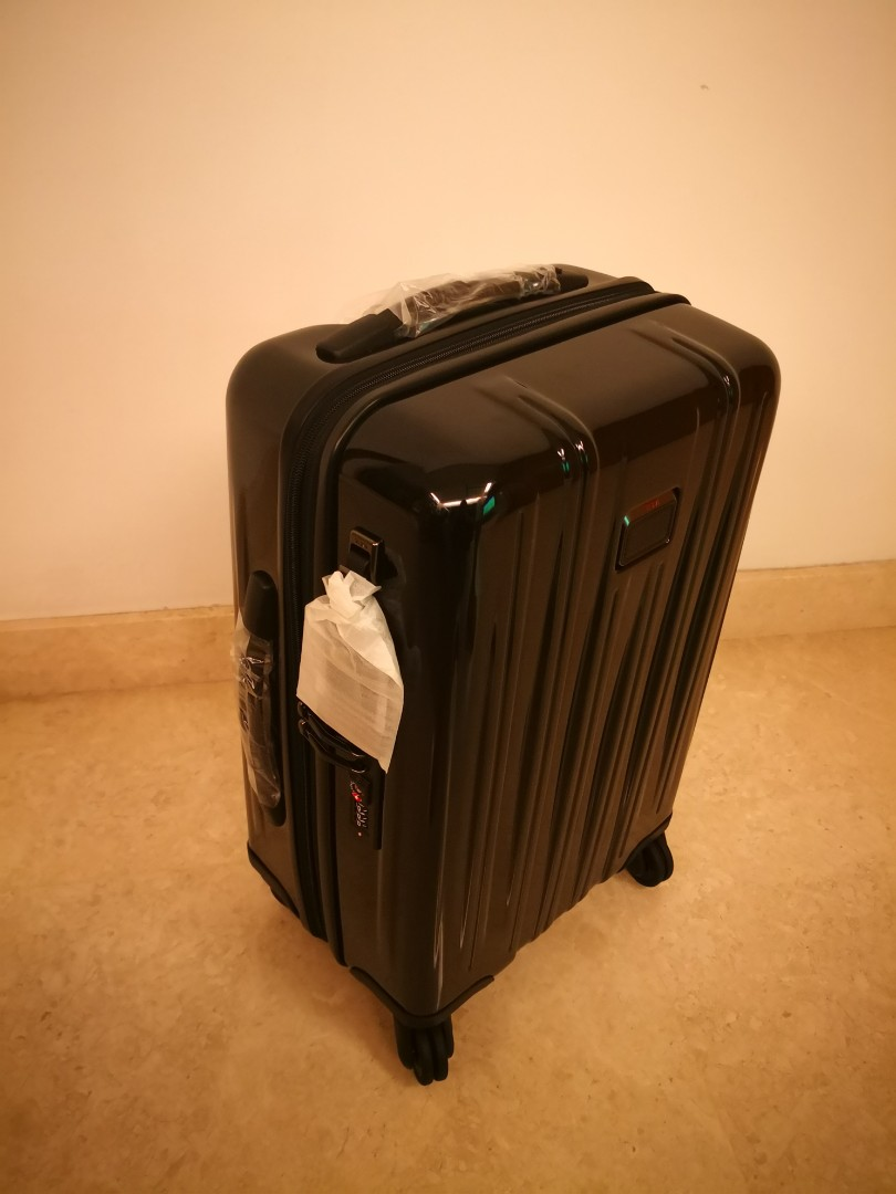 8bad5c5b06 Brand new Tumi V3 International Expandable Carry-On black and ...