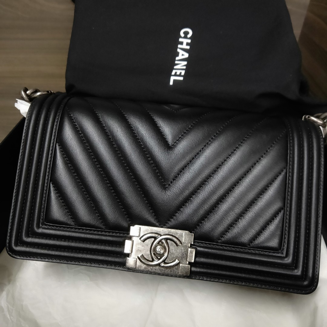 8c1f580a5349e6 Chanel Boy Chevron with Ruthenium Hardward, Luxury, Bags & Wallets ...