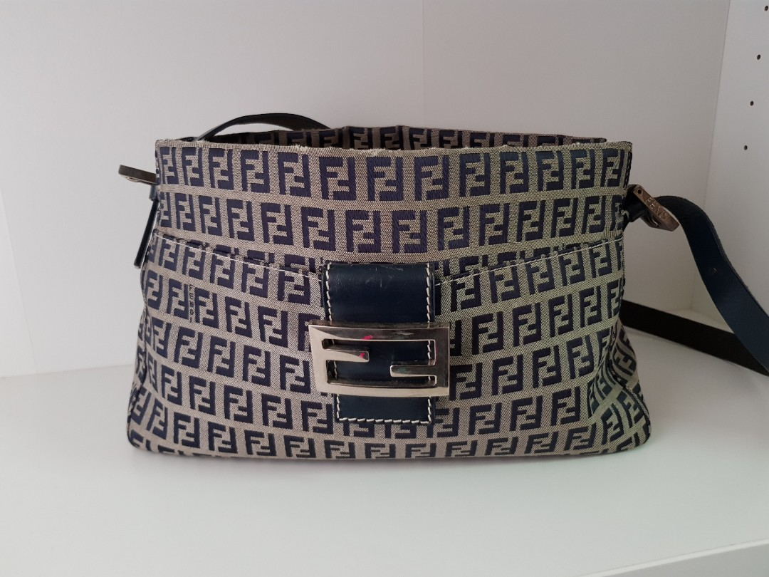 FENDI Authentic Baguette 0d690d342face