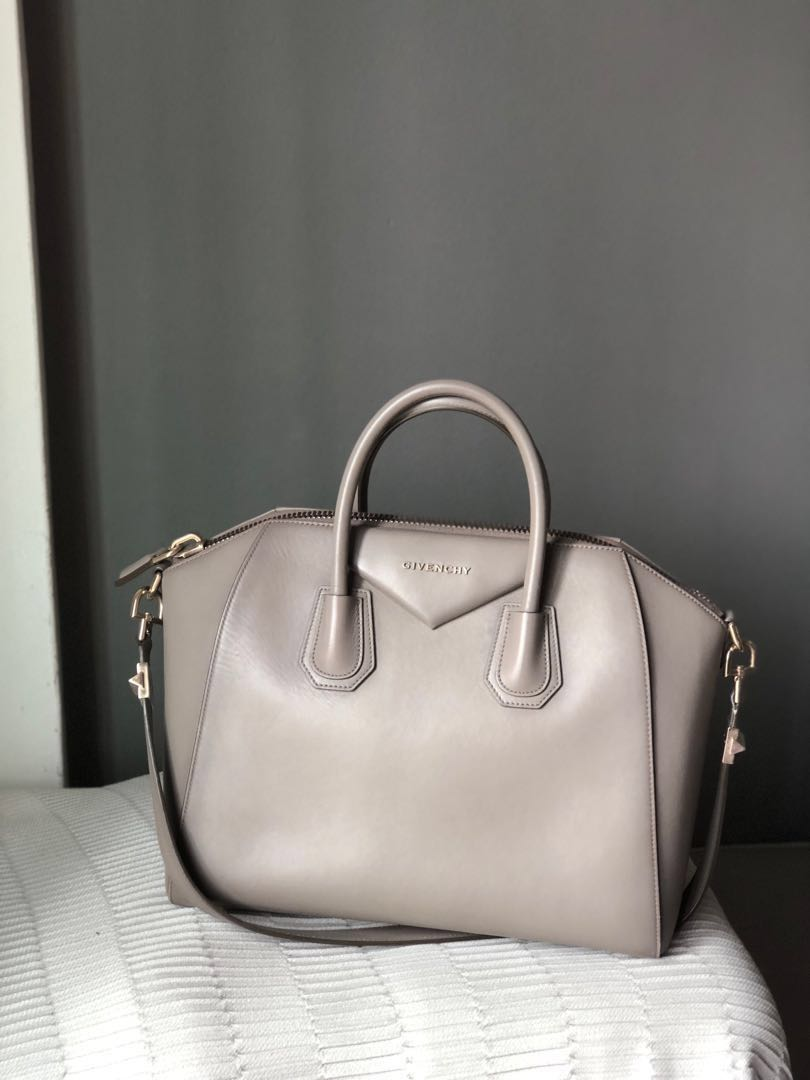 32faa7c957 Givenchy Antigona Medium Calfskin (LGHW)