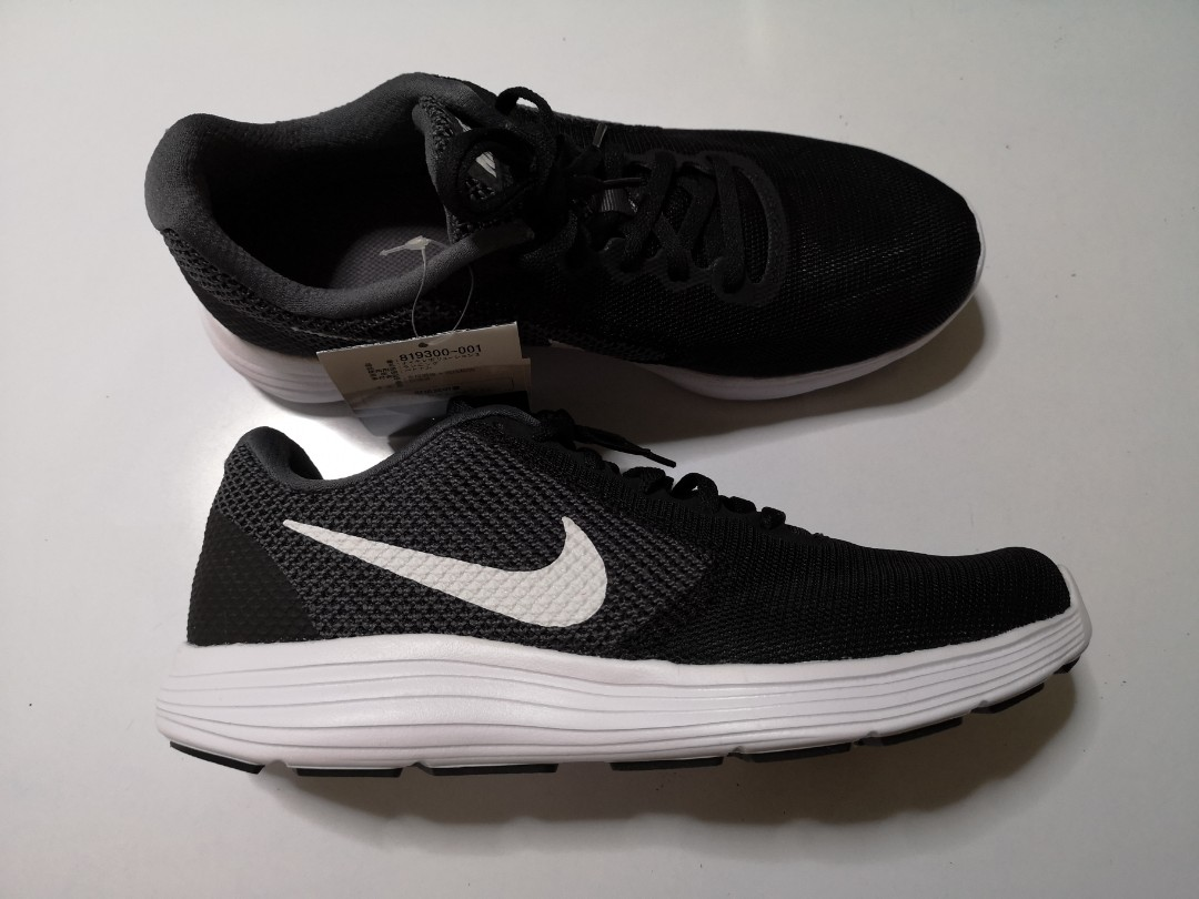 e5da8f255c12 Mens Nike Revolution 3 Running Shoes
