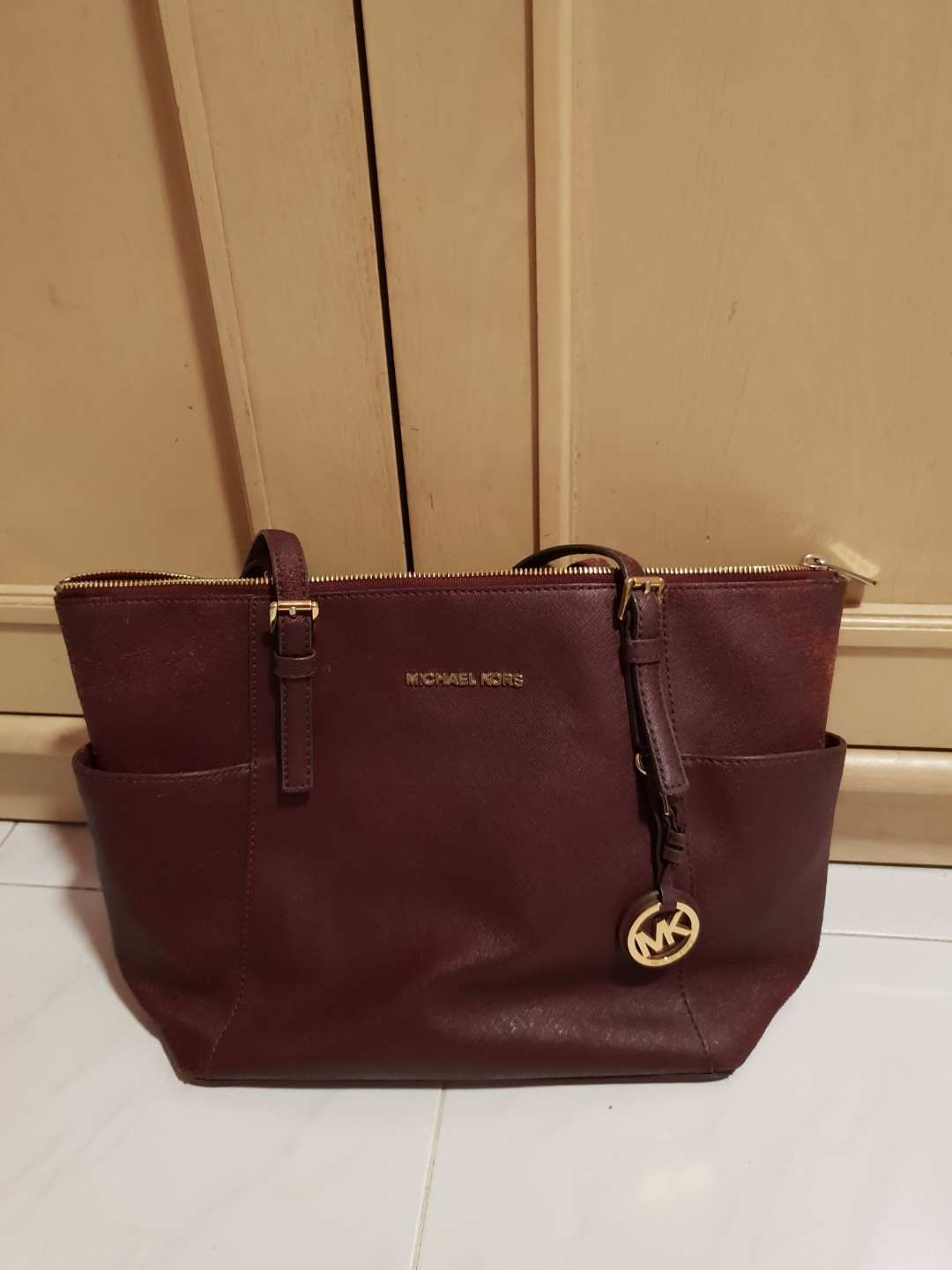 4f7540e8b315 Michael Kors Bag, Luxury, Bags & Wallets, Handbags on Carousell