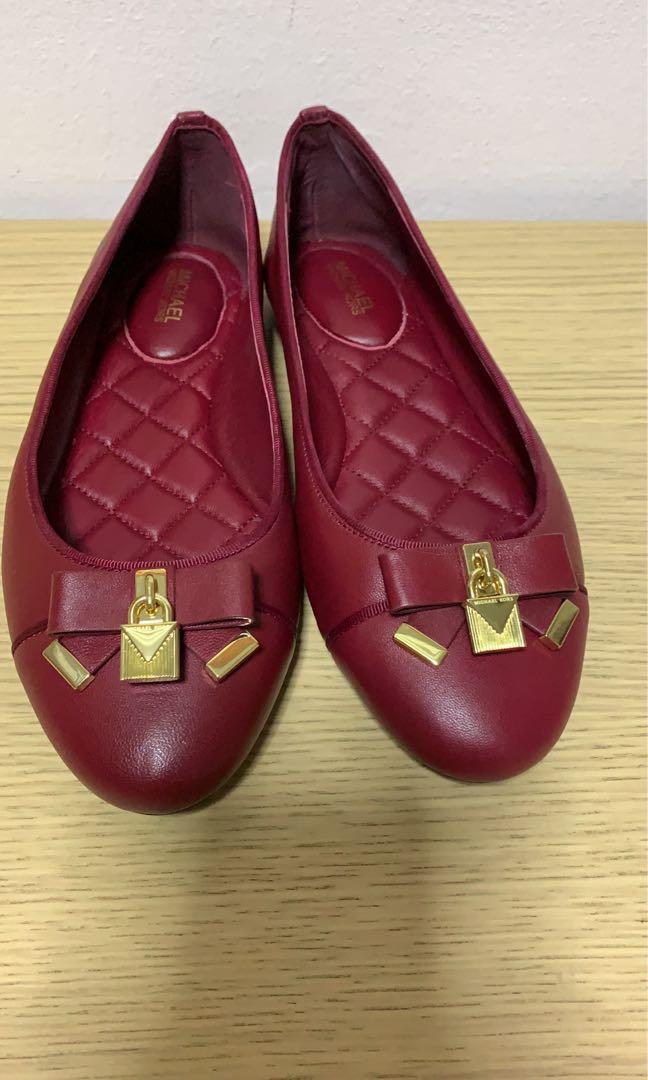 a6dc4097213 Micheal Kors Shoe size 7