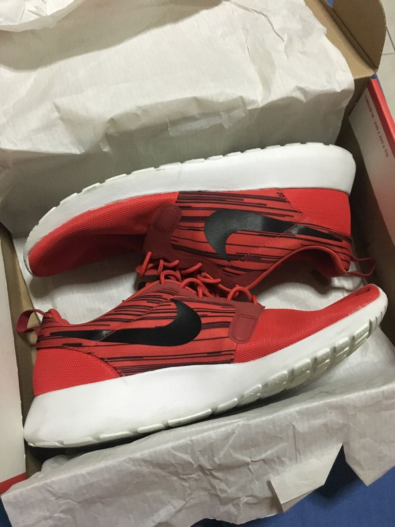 8b62c936bfab Nike Roshe Run Hyperfuse (Gym Red)