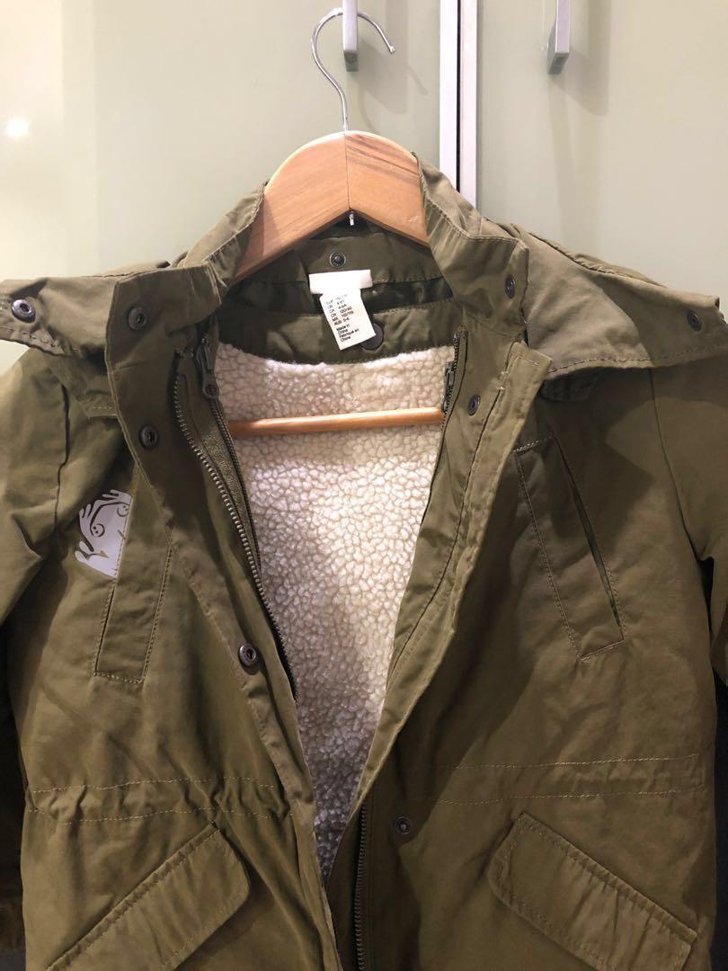 Pre loved H&M boy dark green hoodie jacket 4-6 Y #onlinesale #jan25