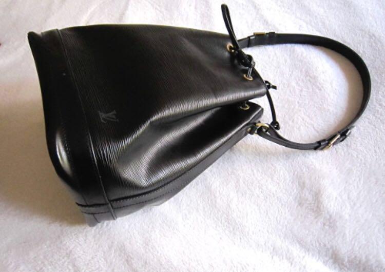 e161a4e5cec1 Vintage Louis Vuitton Black Epi Noe Bucket Bag SALE