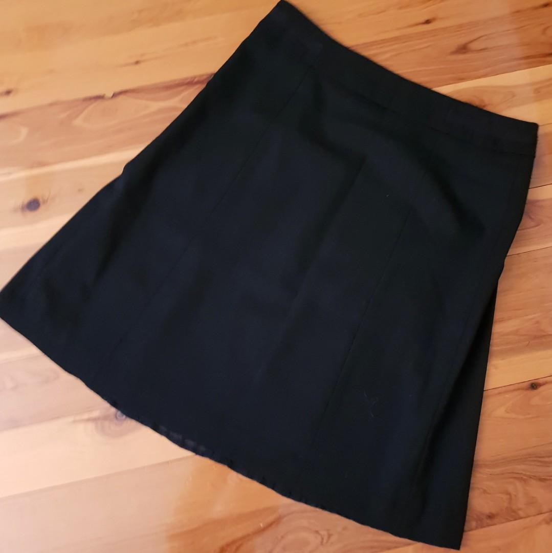 Women's size 10 'ESPRIT' Gorgeous black A line skirt, fully lined- BNWT