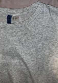 H&M Tshirt - Grey