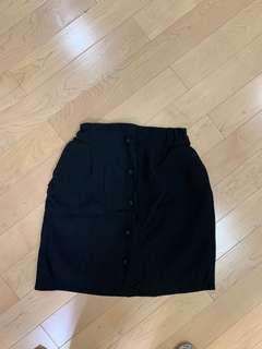 黑色橡筋腰A字短裙