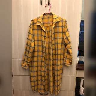 🚚 黃底格紋 長版 襯衫 罩衫