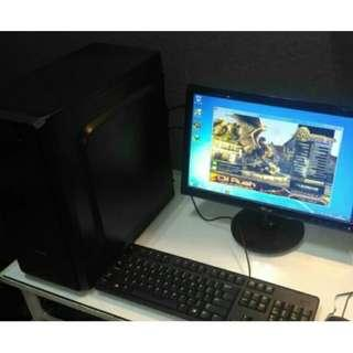 PC Komputer Multimedia Core2Quad (4core) / RAM 2GB / Monitor 17 inch