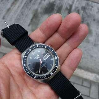 中古精工自動潛水6119,黑面,39mm x 43mm,原裝,正常,二手物品,完美主義者不合