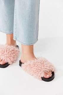 UO Faux Shearling Pool Slide