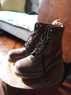 Dr Martens brown US 7