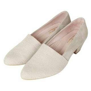 Bonjour 軟綿綿4cm尖頭低跟鞋