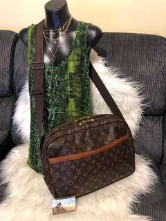 Louis Vuitton Reporter GM Messenger Bag