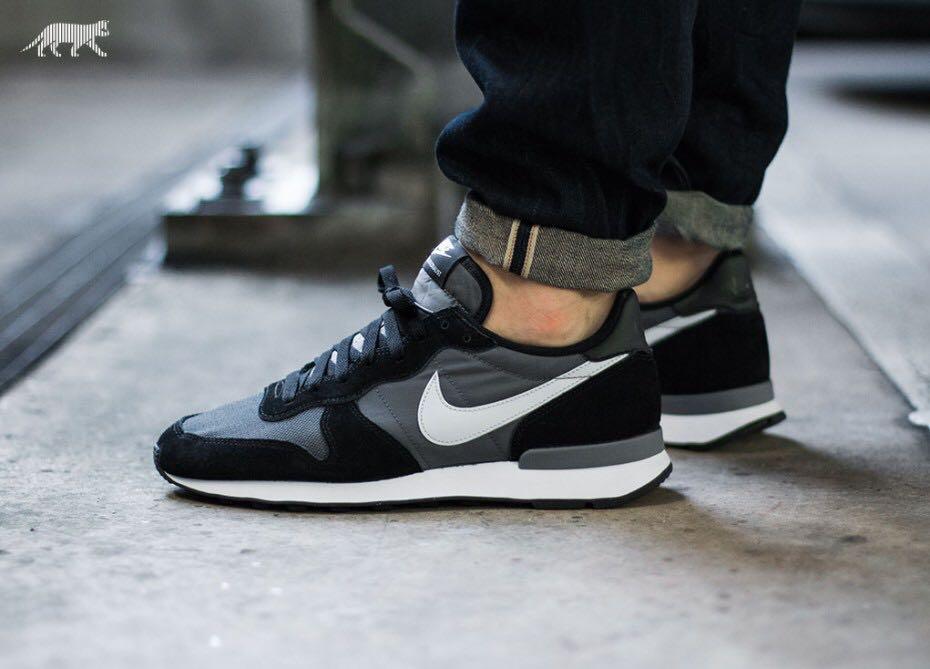 Mínimo Derechos de autor Proporcional  100% AUTHENTIC NIKE INTERNATIONALIST in black / grey, Men's Fashion,  Footwear, Sneakers on Carousell