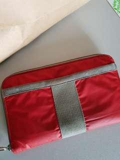 Le sportsac red wallet