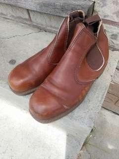 Hazelnut brown leather workboots steel toe cap