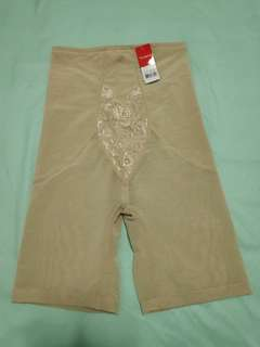 3c76dc6971 BNWT Triumph beige shaping shapewear girdle thigh tummy butt ...