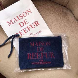 近新Maison de Reefur梨花品牌深藍小包