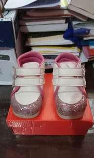 Reprice Sepatu anak perempuan / baby girl