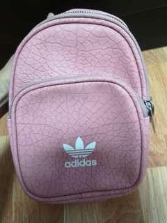 🚚 ✨Promotion - Adidas mini backpack✨