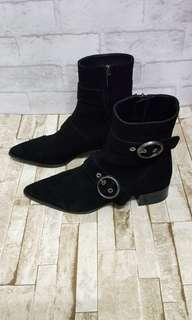 🚚 Zara環扣帥氣麂皮短靴