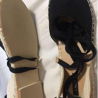 Black Flat Tie Up Sandle