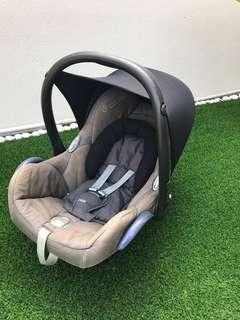 Cabrio Fix Maxi Cosi Carrier/Bucket