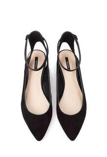 F21 Women's Black Pointed Ankle Strap Flats