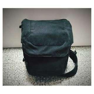 Lowepro Urban Photo Sling 250 Sling Bag Camera Bag - Black (Original)