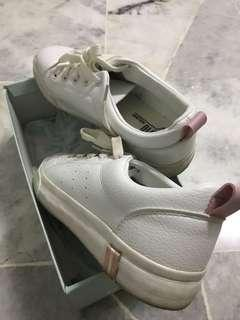 #CNY888 White Sneakers with pink