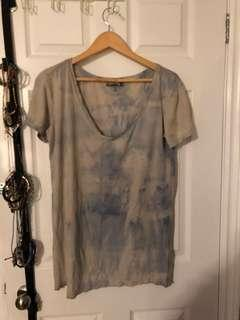 Hurley T-shirt size small, fits like a large