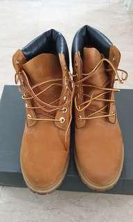 Authenic Timberland Classic boots