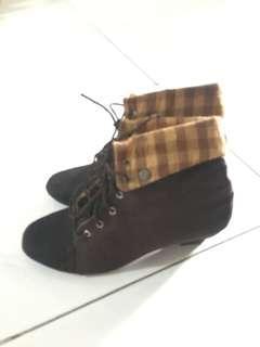 BOOTS COKLAT size 39