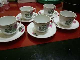 Set antik cawan piring bunga kangkung