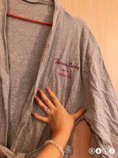🚚 Thomson medical robe