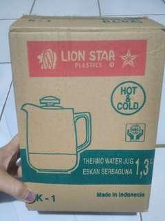 Thermo Water Jug Lion Star