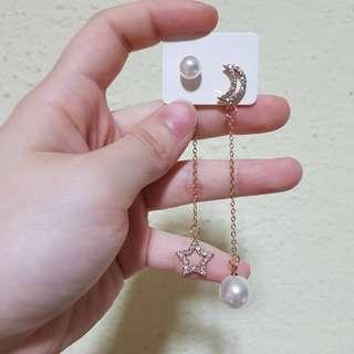 🚚 Minimalist stars x moon silver earrings