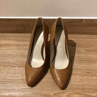 Aldo Brown Leather Alilicien Wood Block Heel Court Shoes/Chunky Heels