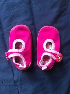 粉紅色鞋仔