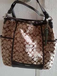 Selling New Lady Coach Sling Bag