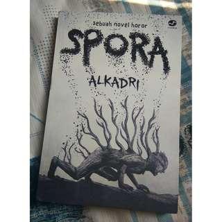 NOVEL Spora - Alkadri (Secondhand)