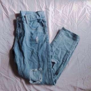 破洞牛仔褲 M號 淺色 #舊愛換新歡